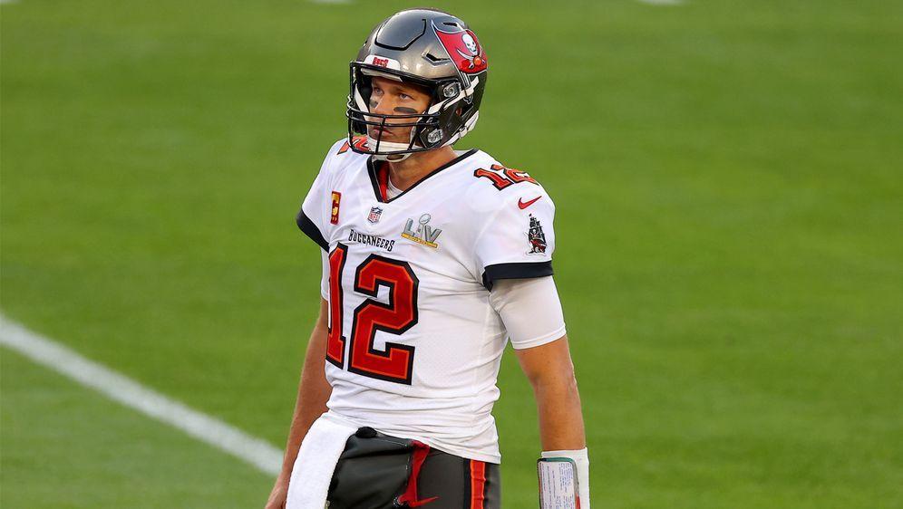 Tom Brady hofft auf eine baldige Rückkehr auf das Football-Feld - Bildquelle: Getty Images