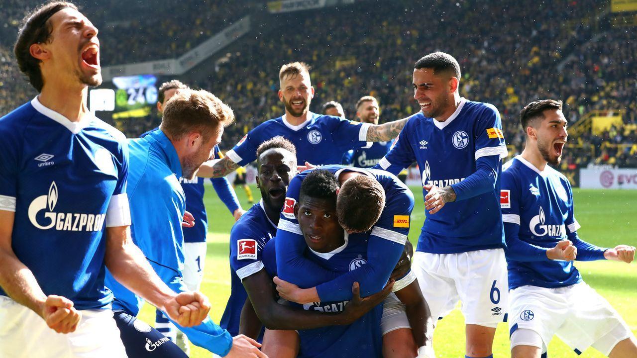 Saison 2018/19: Schalke triumphiert in Dortmund - Bildquelle: Getty Images