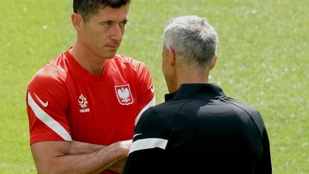 Lewandowski bekommt Rückendeckung von Trainer Sousa - Bildquelle: AFPSIDJANEK SKARZYNSKI