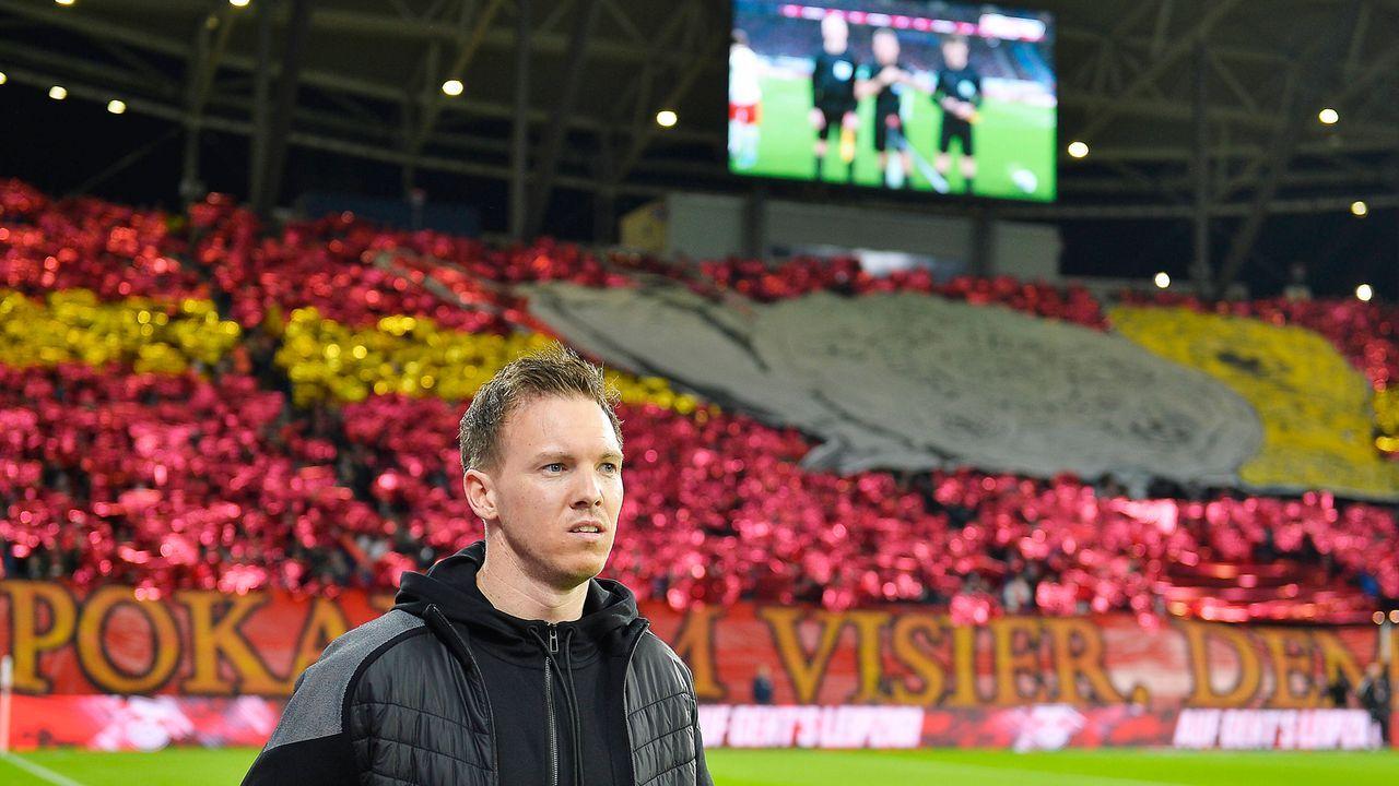 Fußball-Welt in Ordnung - Bildquelle: imago images/opokupix