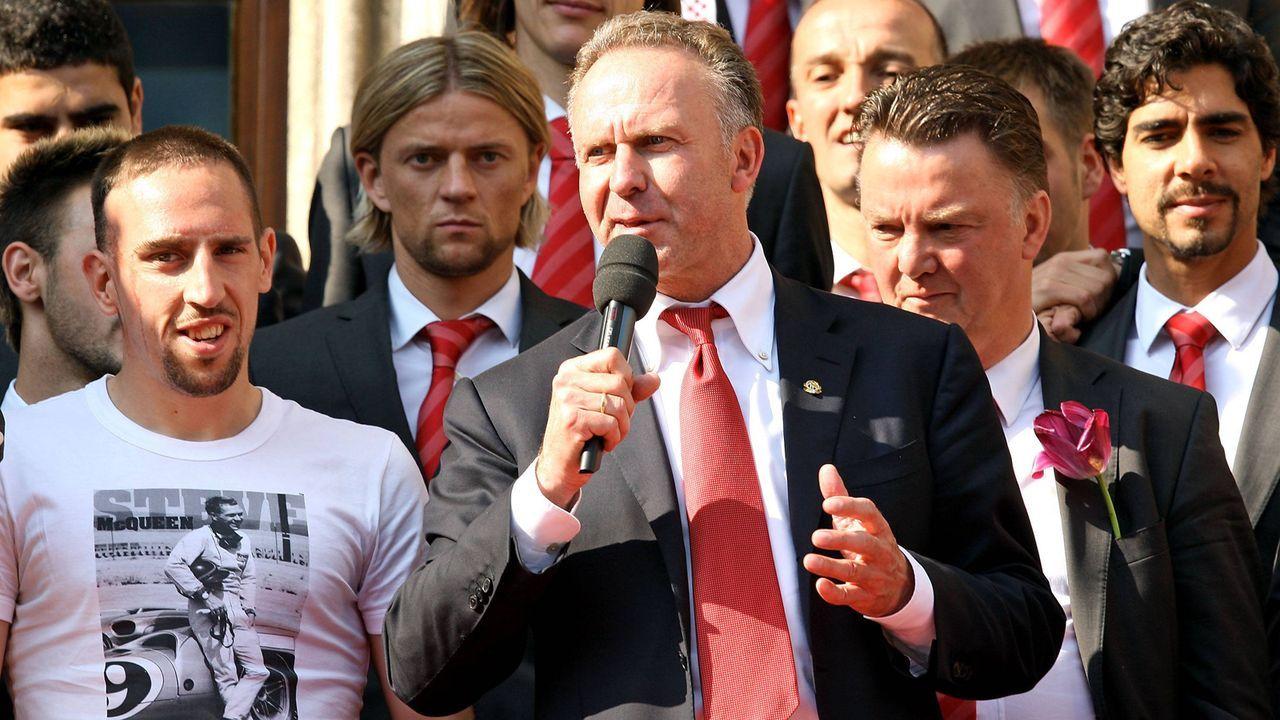 Gratulation zu Riberys Jubiläums-Tor - Bildquelle: imago sportfotodienst