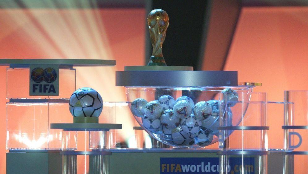 Die Auslosung der WM-Qualifikation findet virtuell satt - Bildquelle: FIROFIROSID