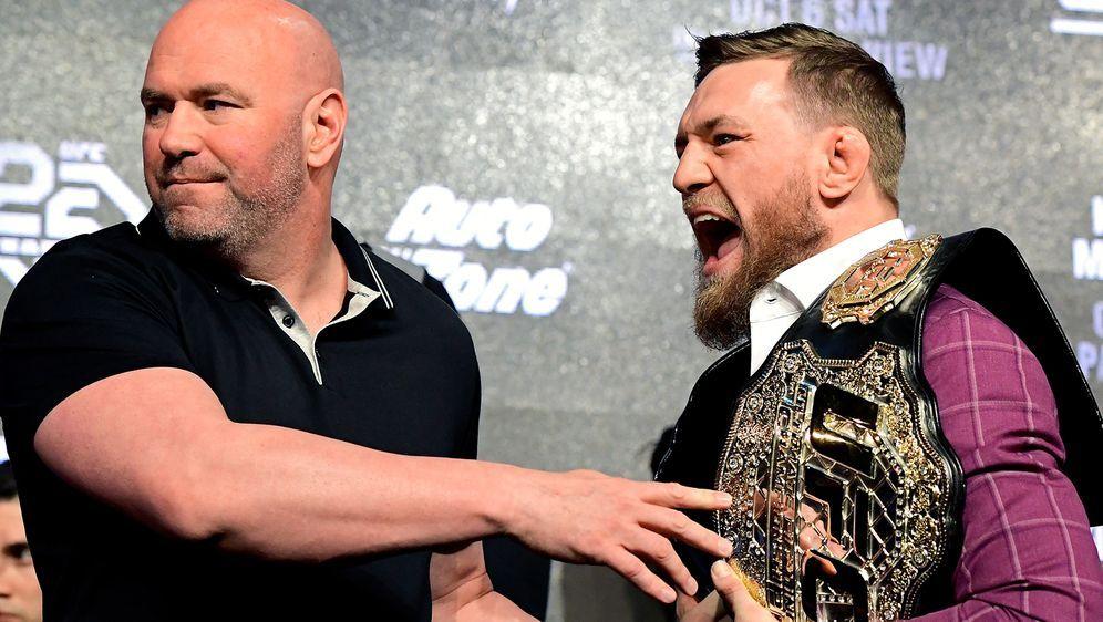 Dana White und Conor McGregor. - Bildquelle: 2018 Getty Images