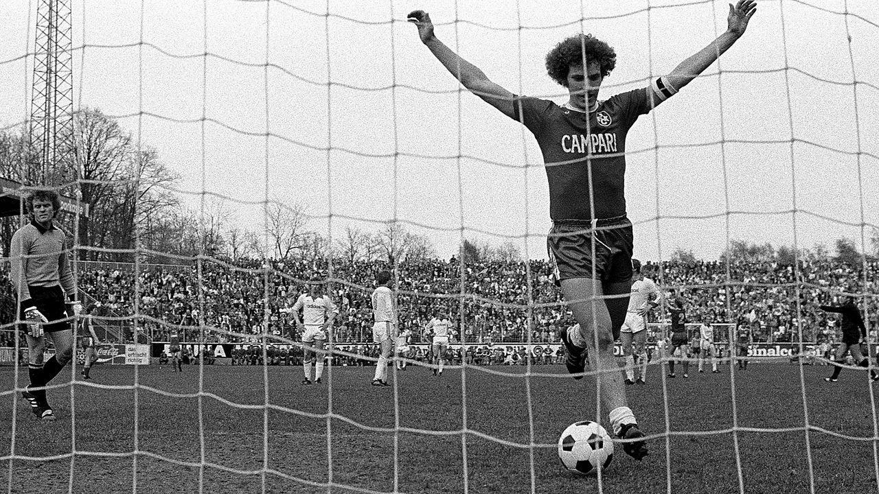 1. FC Kaiserslautern - FC Bayern München 5:0 (1977/78) - Bildquelle: Imago