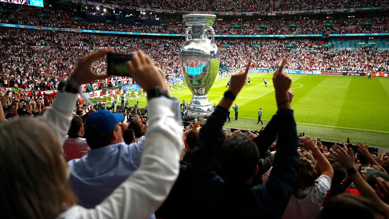 Gewinner: Fans bringen wieder Stimmung und Emotionen in die Stadien - Bildquelle: 2021 Getty Images