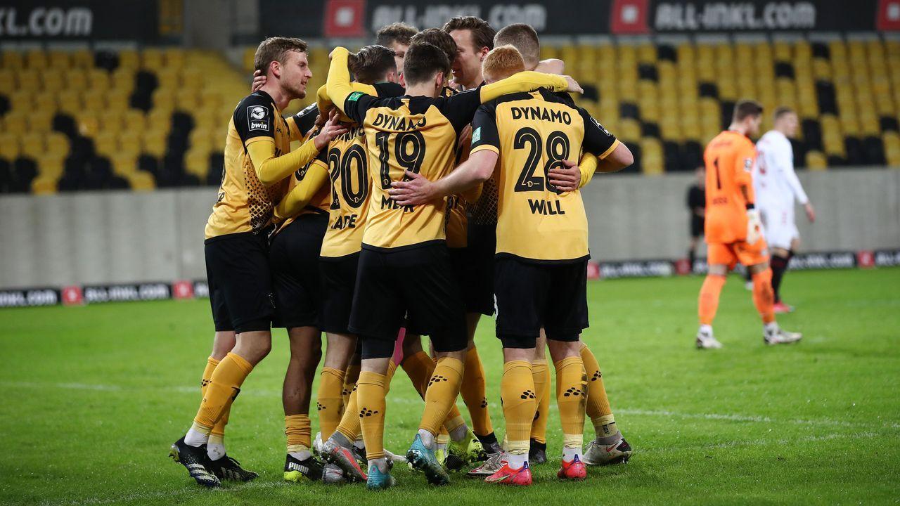 1. Dynamo Dresden (69 Punkte, 56:29 Tore) - Bildquelle: 2021 Getty Images