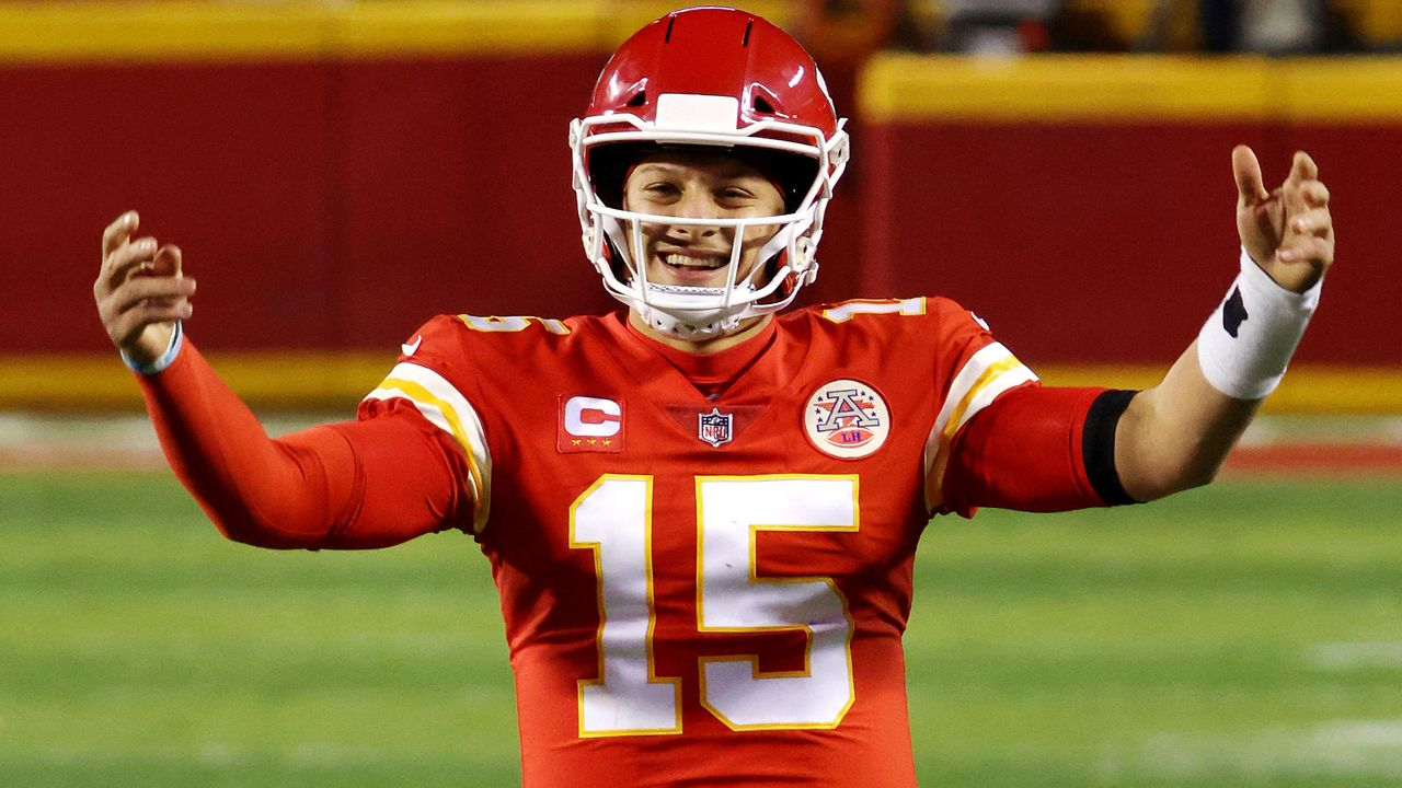 Quarterback: Patrick Mahomes (Kansas City Chiefs) - Bildquelle: 2021 Getty Images