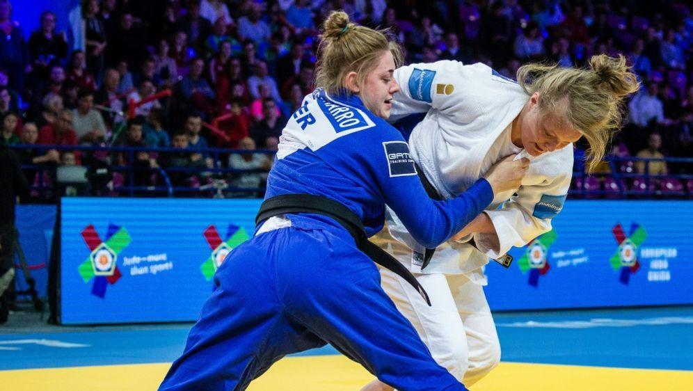 Giovanna Scoccimarro (l.) verliert im Finale von Kasan - Bildquelle: AFPSIDWOJTEK RADWANSKI