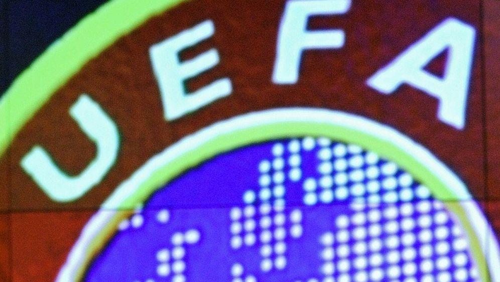 Der europäische Verband will Frauenfussball stärken - Bildquelle: AFPSIDFABRICE COFFRINI