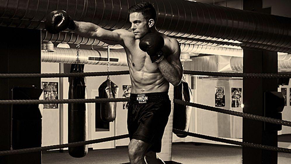 "Sebastian Preuss - Malermeister, Kickbox Weltmeister und nun der neue ""Bache... - Bildquelle: @ MICHAEL WILFLING 2016"