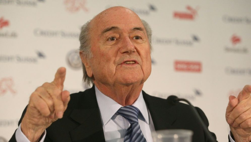 Droht mit Klage: Sepp Blatter - Bildquelle: PIXATHLONPIXATHLONSID