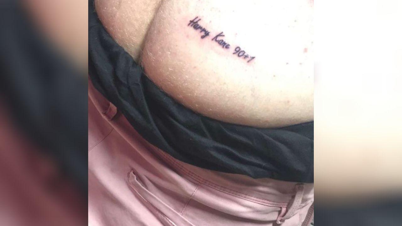 Nach Sieg gegen Tunesien: England-Fan lässt sich Kane-Tattoo stechen - Bildquelle: twitter.com/omfgitsjackk
