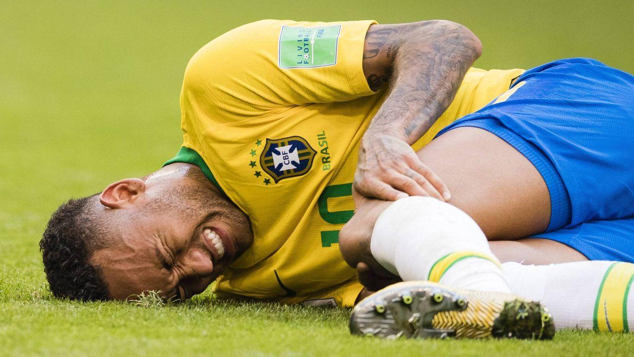 Wie oft dreht sich Neymar nach einem Foul? - Bildquelle: imago/Moritz M¸ller