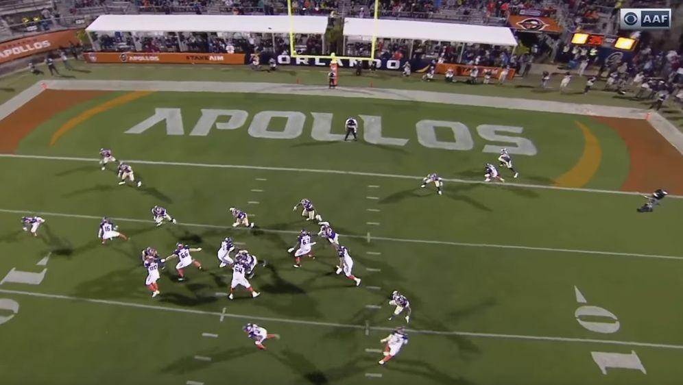 Die Orlando Apollos ließen sich bei diesem Spielzug von den Philadelphia Eag... - Bildquelle: https://www.youtube.com/watch?v=pnuG1wyRkjk