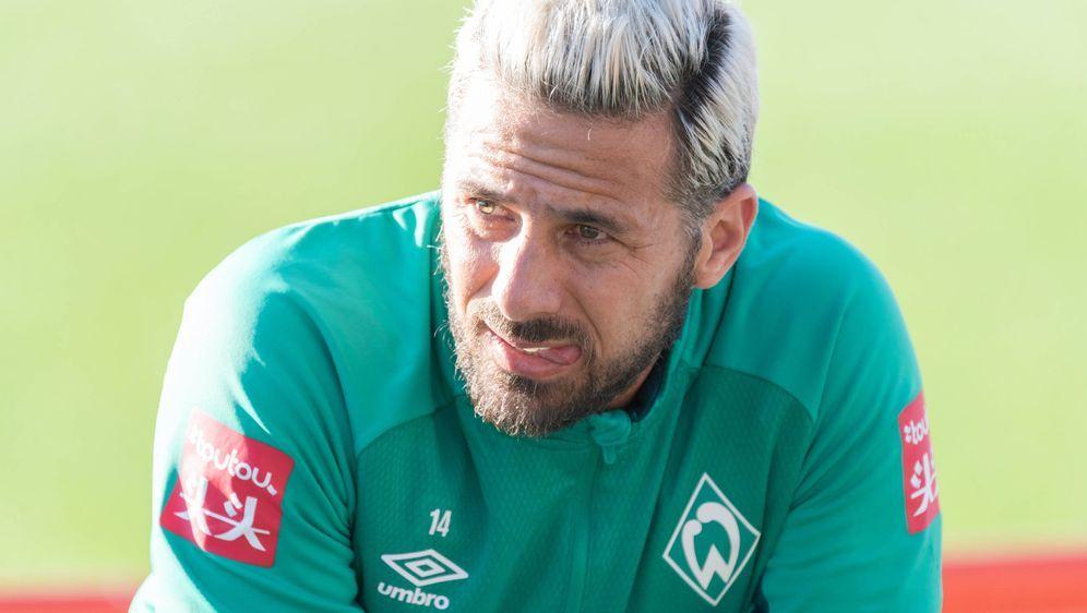 Claudio Pizarro verspricht Werder-Fans bessere Rückrunde - Bildquelle: imago
