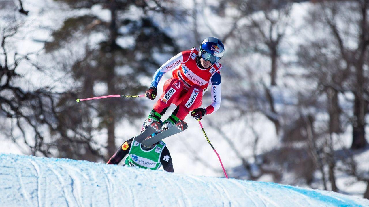 Skicross-Star schläft wegen bellendem Hund in der Dusche - Bildquelle: Imago