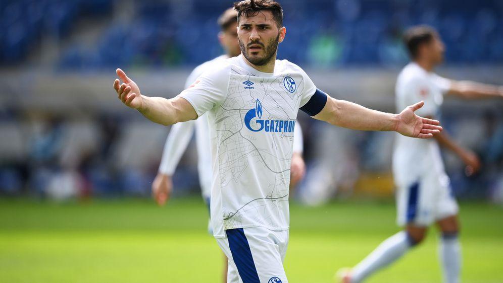 Dritter Schalke-Profi positiv getestet - Bildquelle: FIROFIROSID