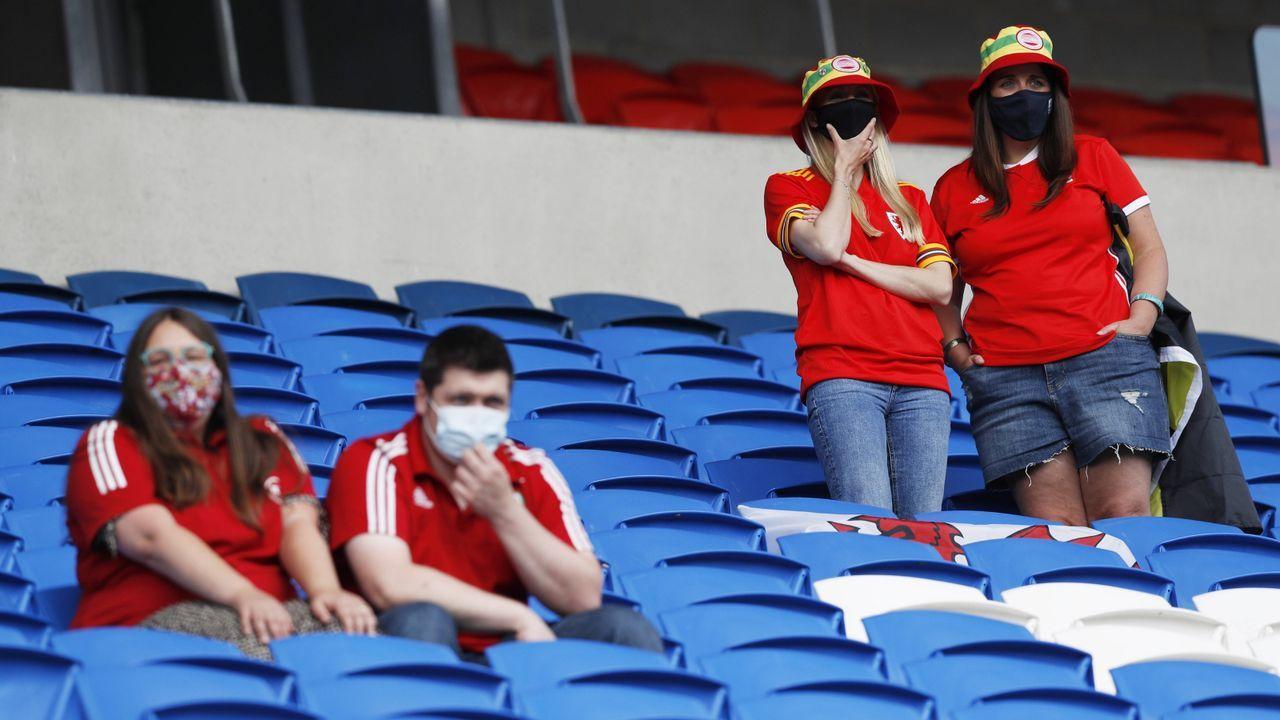 Maskenpflicht auf dem ganzen Gelände und im Stadion - Bildquelle: Imago