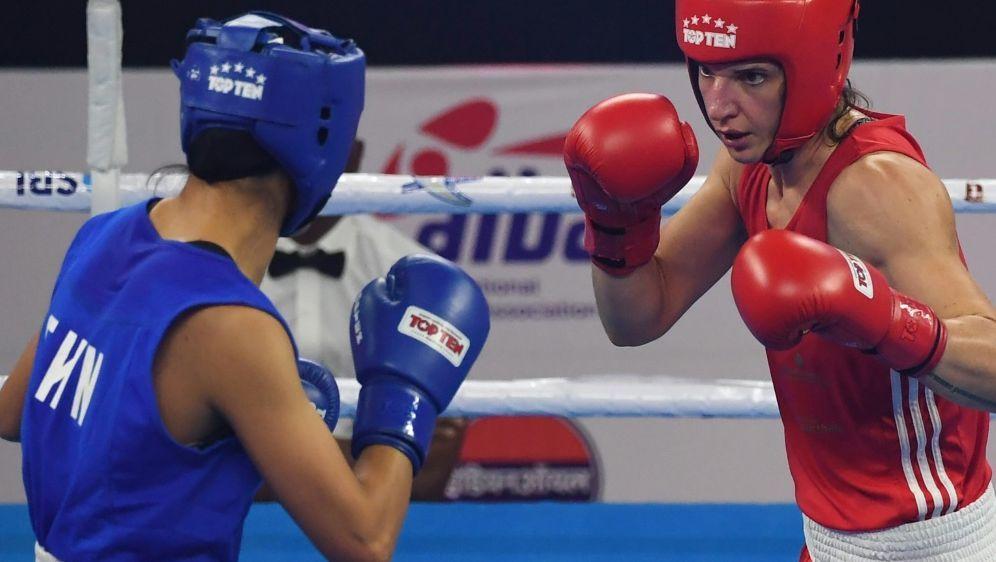 Nadine Apetz (r.) sorgt sich um Doping-Probleme im Boxen - Bildquelle: AFPSIDMONEY SHARMA