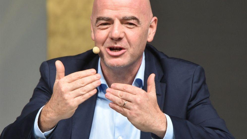 FIFA-Chef Gianni Infantino - Bildquelle: AFP/SID/ATTILA KISBENEDEK