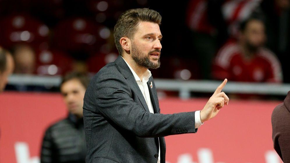 Im Terminstress: Marko Pesic und die Bayern-Basketballer - Bildquelle: FIROFIROSID