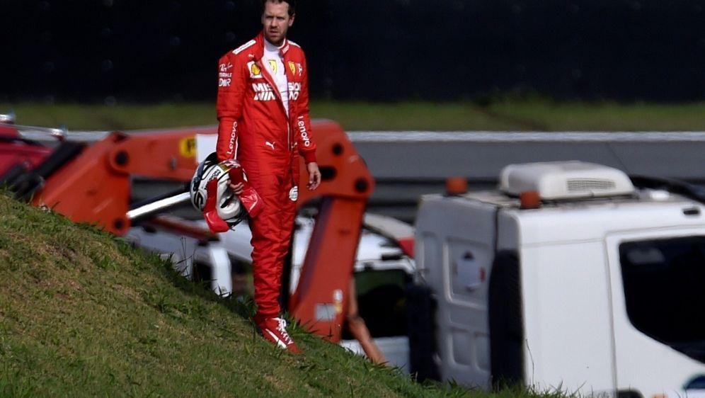 Vettel setzte seinen Boliden in die Streckenbegrenzung - Bildquelle: AFPSIDDouglas Magno