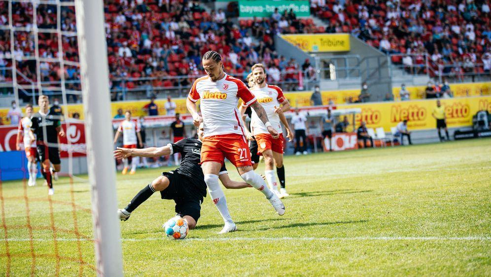 2. Bundesliga: Jahn Regensburg legt einen Traumstart hin - Bildquelle: Imago