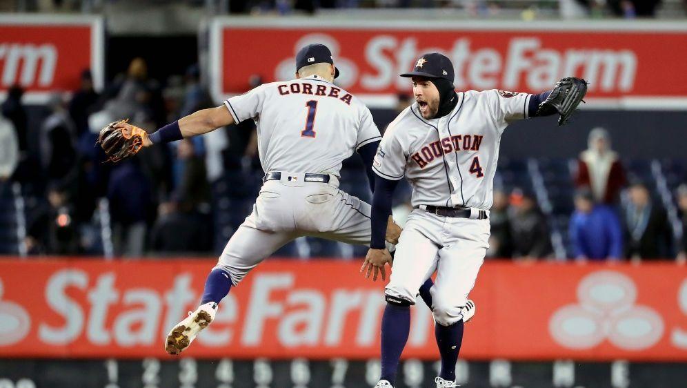 Astros feiern den dritten Sieg bei den Yankees - Bildquelle: AFPGETTYSIDELSA