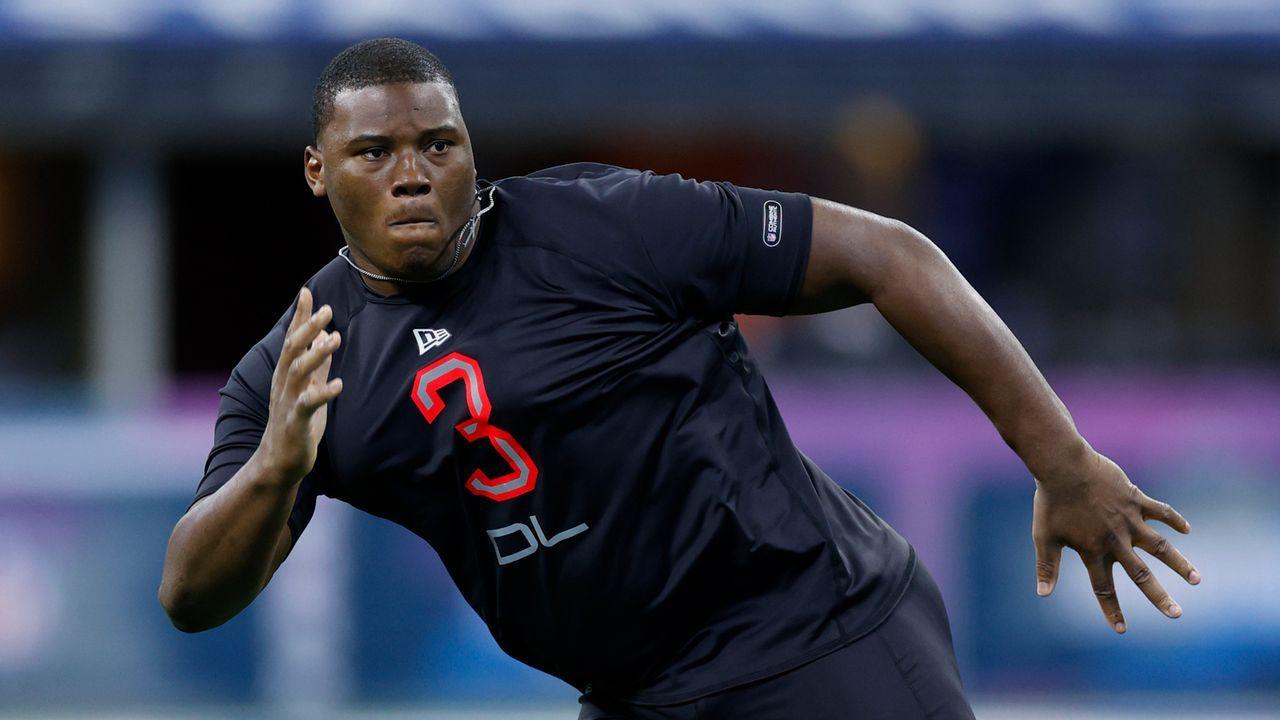 Derrick Brown (Defensive Tackle, Carolina Panthers) - Bildquelle: 2020 Getty Images