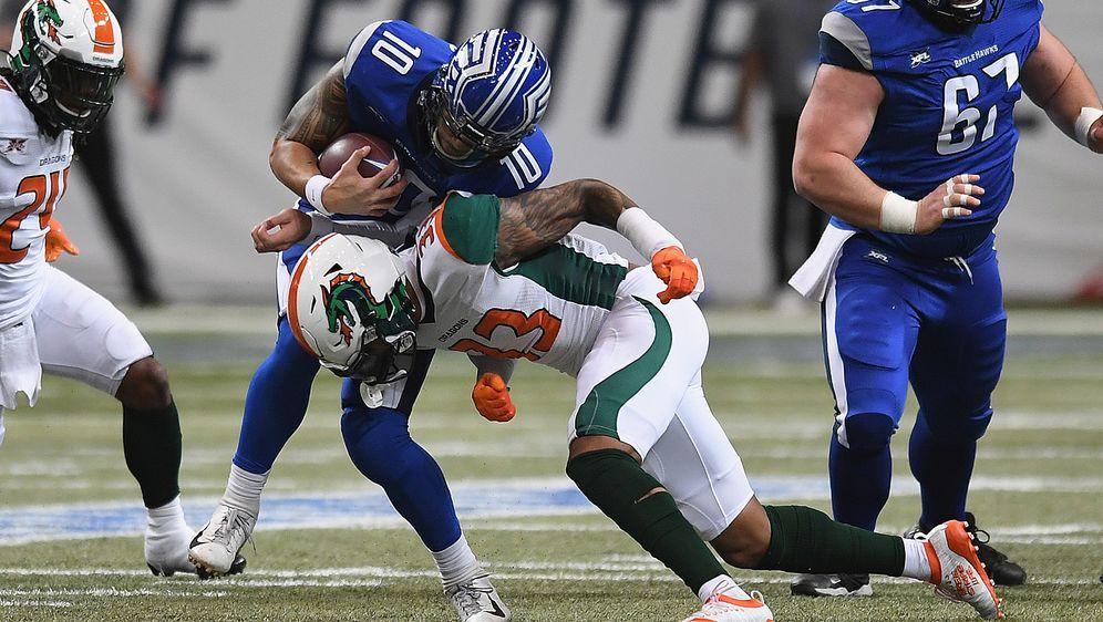 Voller Körpereinsatz: Jordan Martin (Nummer 33) von den Seattle Dragons stel... - Bildquelle: Getty Images