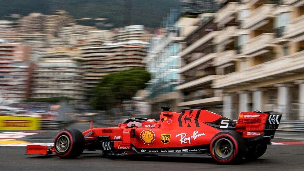 Vettel setzte seinen Ferrari in die Streckenbegrenzung - Bildquelle: AFPSIDANDREJ ISAKOVIC