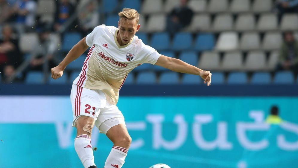 Tobias Schröck bleibt langfristig in Ingolstadt - Bildquelle: FIROFIROSID