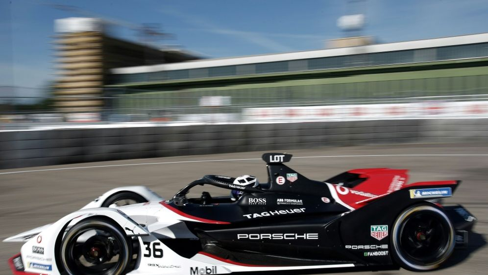 Hersteller Porsche bleibt der Formel E bis 2026 erhalten - Bildquelle: FIROFIROSID