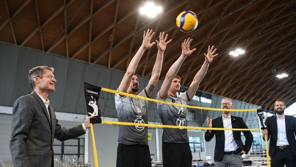 Die Berlin Volleys gewinnen gegen VfB Friedrichshafen - Bildquelle: FIROFIROSID