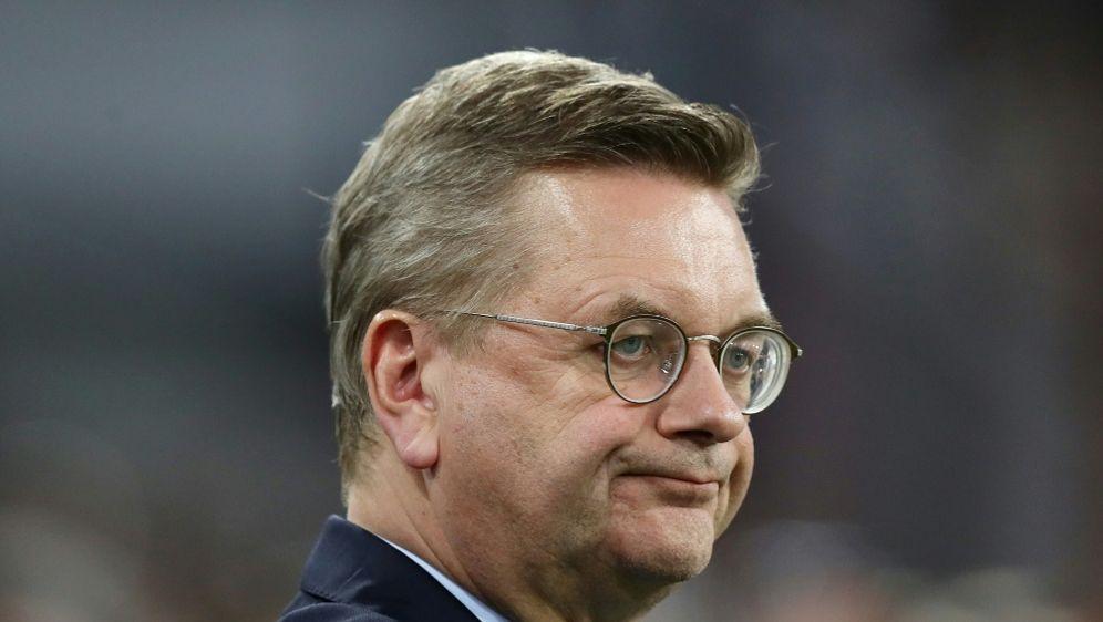Trat als DFB-Präsident zurück: Reinhard Grindel - Bildquelle: FIROFIROSID
