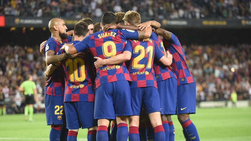 Der FC Barcelona hat über 200 Millionen Euro Transferschulden. - Bildquelle: 2019 imago