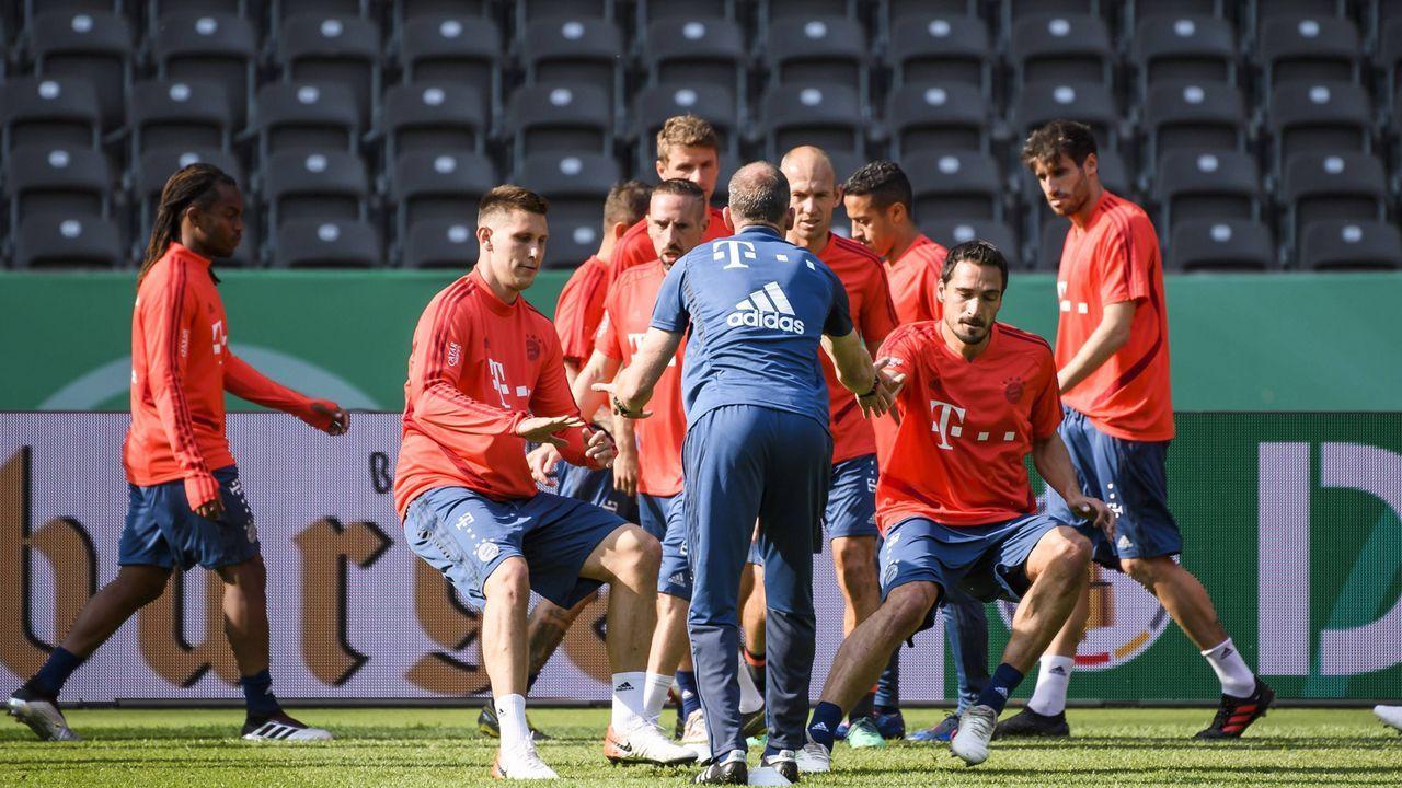 FC Bayern München - Bildquelle: imago images / Jan Huebner