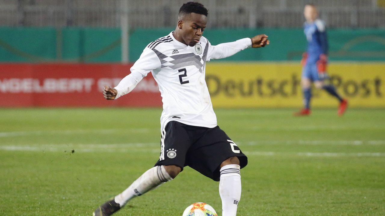 Alfons Amade (Rechter Verteidiger, Eintracht Braunschweig) - Bildquelle: imago images / Pressefoto Baumann