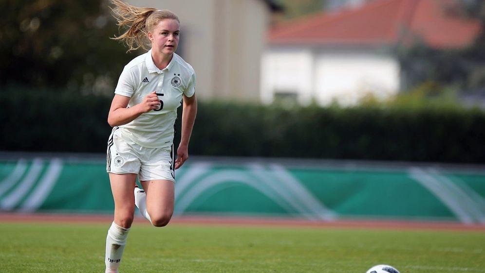 U17 Juniorinnen Wm Aus Fur Abwehrspielerin Stegemann