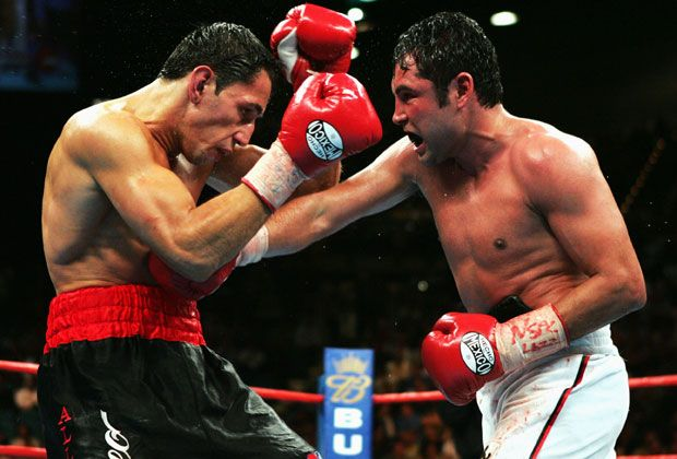 Felix Sturm vs. Oscar de la Hoya - Bildquelle: 2004 Getty Images