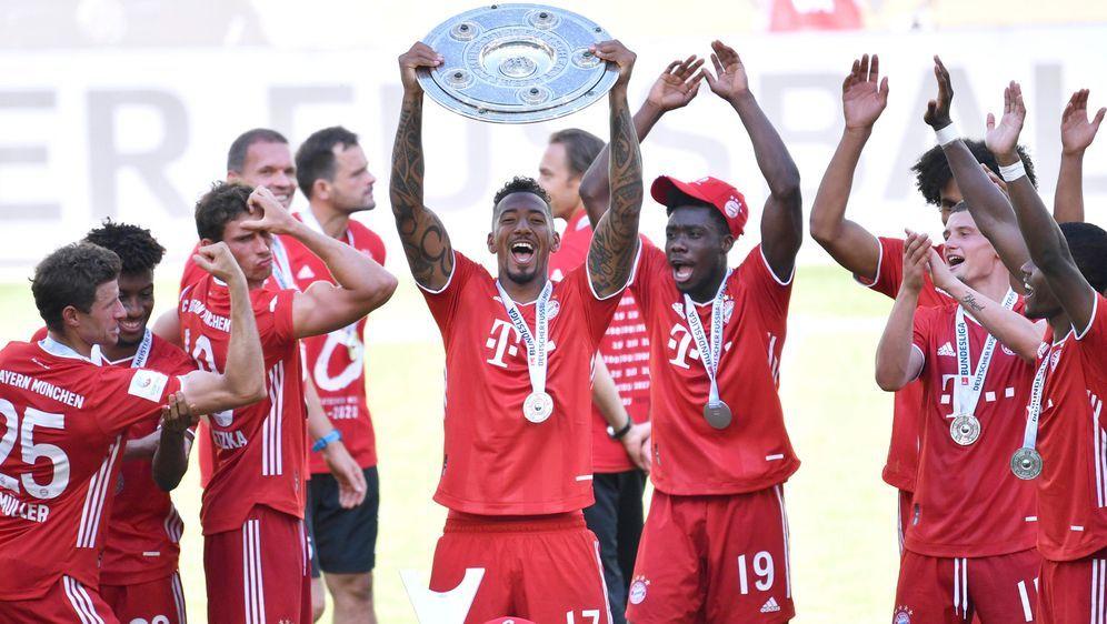 Jerome Boateng zählt zu den Spielern, die den FC Bayern München im Sommer ve... - Bildquelle: Sportphoto by Laci Perenyi