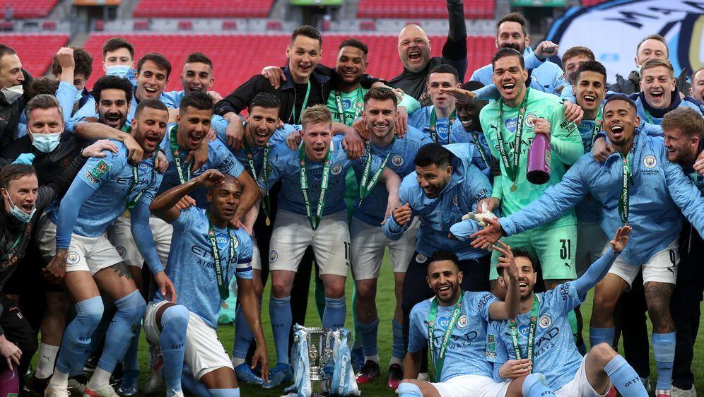 Ilkay Gündogan und Manchester City holen den Ligapokal - Bildquelle: getty