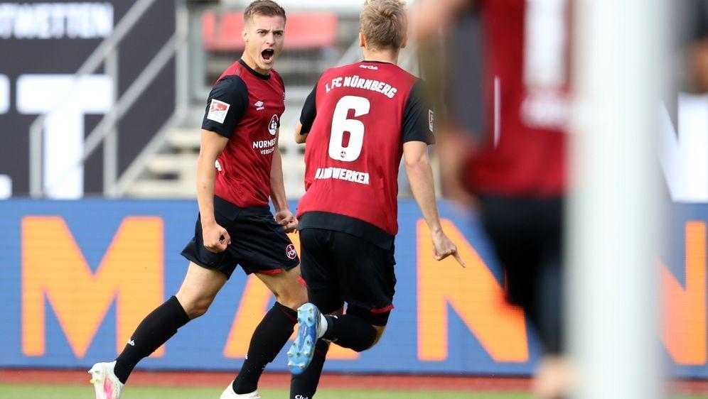 Der 1. FC Nürnberg kämpft in der Regelation gegen den FC Ingolstadt um die 2... - Bildquelle: getty