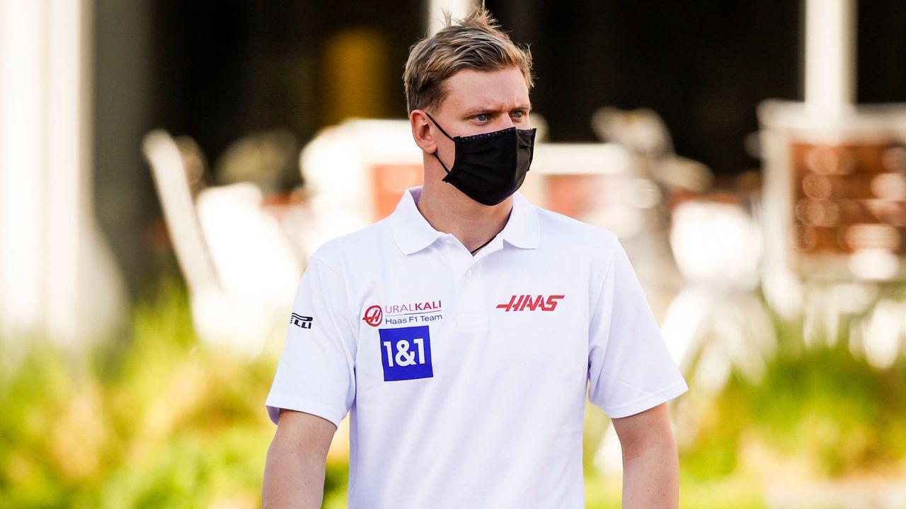 Was sagt Schumacher?  - Bildquelle: imago images/HochZwei