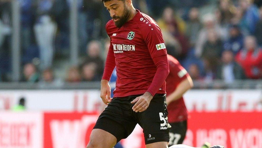 Felipe bleibt trotz Abstieg bei Hannover 96 - Bildquelle: FIROFIROSID