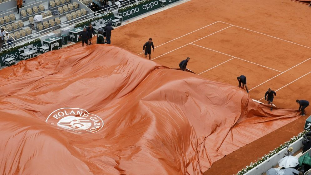 Regenpause in Paris: Djokovic-Thiem unterbrochen - Bildquelle: AFPSIDTHOMAS SAMSON