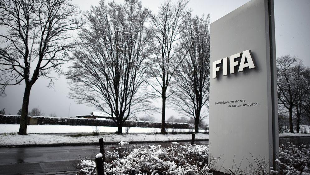 Die FIFA muss aufgrund der Corona-Pandemie das aktuelle Transfer-System wohl... - Bildquelle: 2016 Getty Images