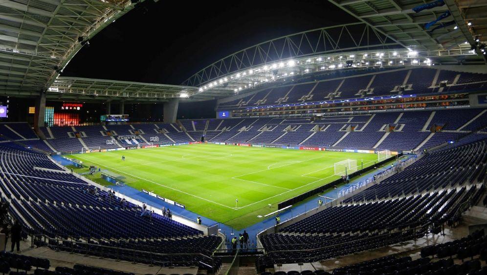 Nach SID-Informationen wird Porto neuer Final-Spielort - Bildquelle: FIROFIROSID
