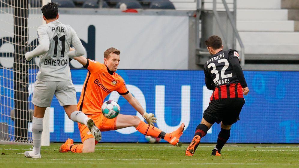 Frankfurts Amin Younes traf beim Hinrunden-Sieg der Eintracht gegen Leverkus... - Bildquelle: 2021 Getty Images