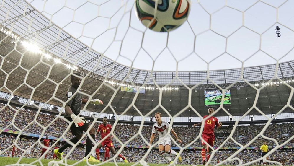 Ausnahmetalent Moukoko: Nach drei Spieltagen 8 Tore - Bildquelle: PIXATHLONPIXATHLONSID
